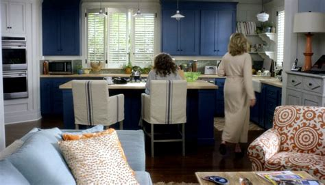 Coastal Decor Area Rugs I Want The Beach House From Quot Grace And Frankie Quot Thanks