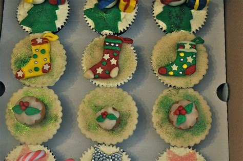 easy marzipan decorations for christmas cupcake ideas