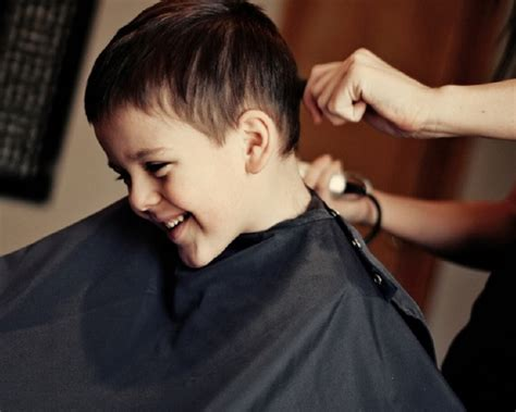 cutting boy hair with scissors how to cut boys hair cutting a little boy s hair