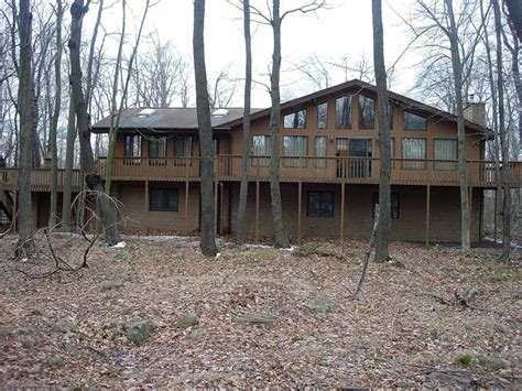 Cheap Cabin Rentals In Poconos Pa by Rentals In The Poconos The Pocono Lakes Rentals
