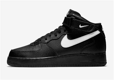nike air 1 mid black leather pack 315123 043