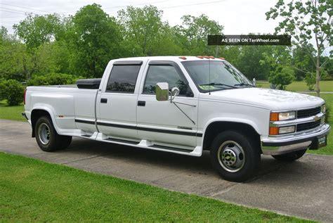 chevy truck car 2000 chevy 3500 gas car hauler tow work show truck custom