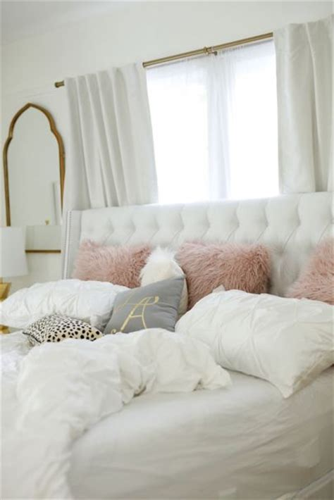 bedroom ideas for young women grey bed grey bed bench 25 best ideas about cozy white bedroom on pinterest