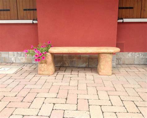 panchina in pietra panchina roccia salotti per giardino r c di rinaldi
