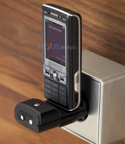 Ericsson Micro Travel Charger Cmt 10 sony ericsson addresses flat battery need to make call