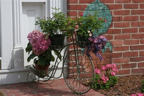 unique planters 25 unique flower planters and pots pictures