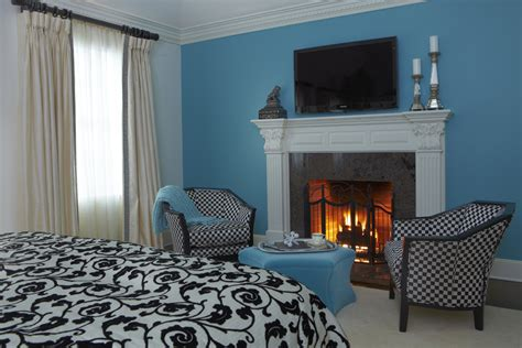 bedroom with fireplace 20 fireplace designs for classic warmth