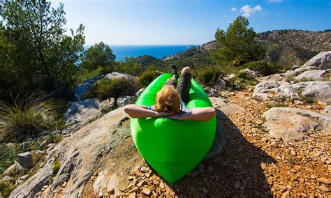 sillon que se infla con viento los mejores regalos para los que amamos viajar intriper