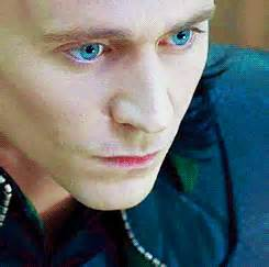 tom hiddleston eye color loki animated gif