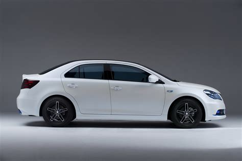 Suzuki Kizaski New Suzuki Kizashi Ecocharge Concept Previews Hybrid Version