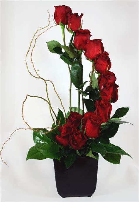 arrangement flowers flower wallpaper free red roses flower arrangements