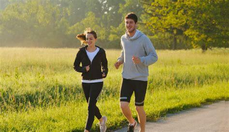 manfaat olahraga lari pagi bagi kesehatan tubuh
