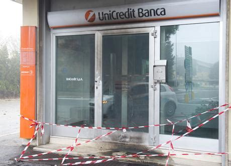 unicredit bank in italy bologna