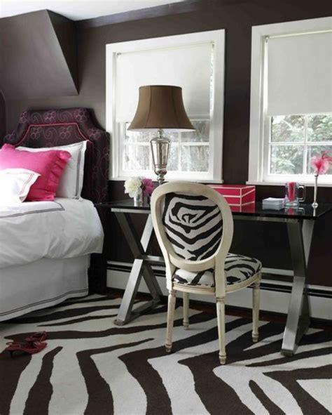 zebra pattern bedroom how to incorporate zebra print into your bedroom s d 233 cor