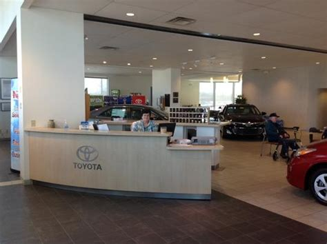 airport toyota vandalia oh joseph airport toyota vandalia oh 45377 car dealership
