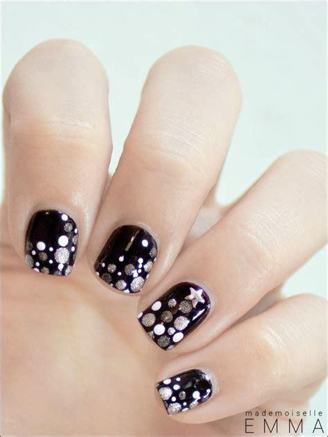 decoraciones de uñas faciles para hacer las 25 mejores ideas sobre dise 241 os de u 241 as de navidad en