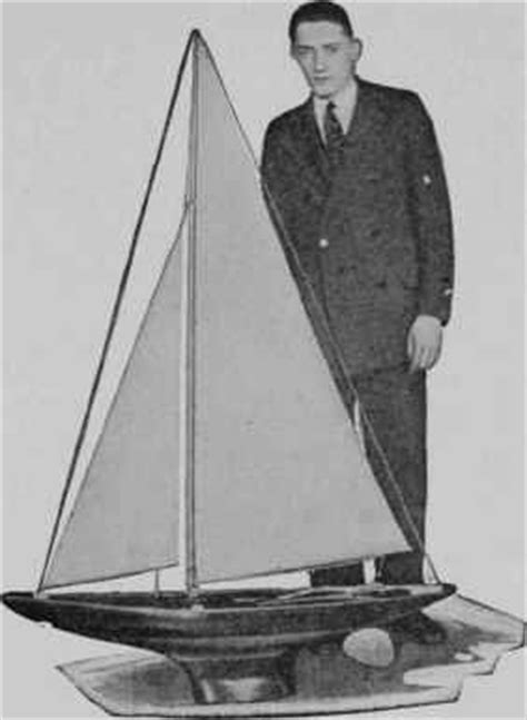 sea scout racing yacht model