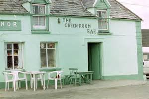 the green room pub the green room bar castlegregory 169 stuart logan cc by sa 2 0 geograph ireland