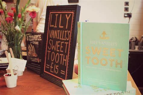libro sweet tooth lily vanilli 180 s bakery un rinc 243 n secreto entre flores cada d 237 a es domingo