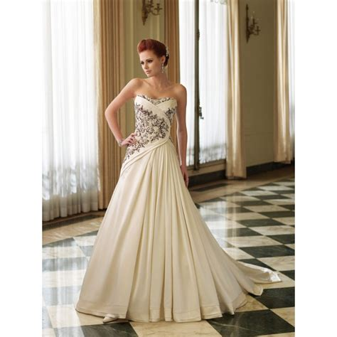 Wedding Dresses In Color by Vestidos Brancos Cores