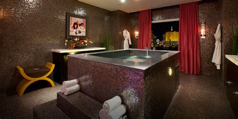 las vegas hotel with tub in room penthouse real world suite casino tower rock hotel las vegas