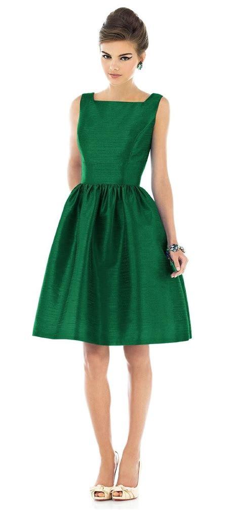 green dress 25 best ideas about emerald dresses on green