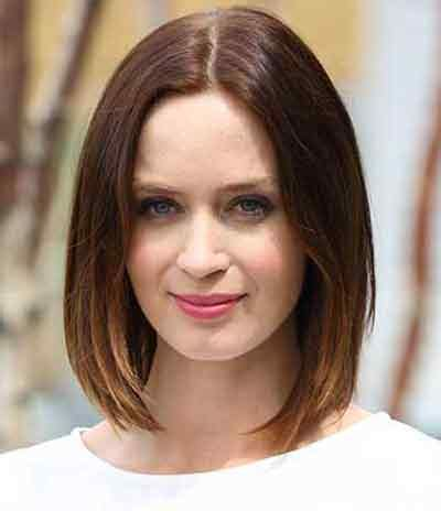 short haircuts for round face in your fortys 6 classic short hairstyles for women over 40