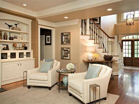 classic simple family room rebecca driggs hgtv classic simple family room rebecca driggs hgtv