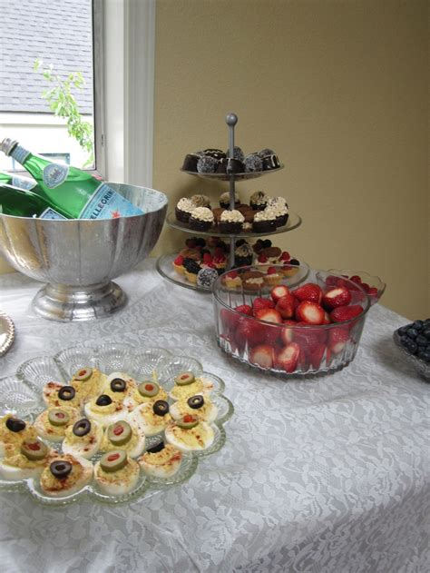 great gatsby bridal shower food 30 best images about gatsby bridal shower on pool floats gatsby and mimosa bar