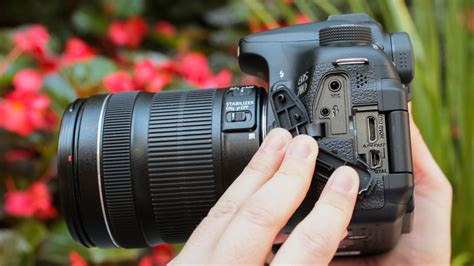 best lens for canon 70d canon eos 70d review a fast but not for pixel