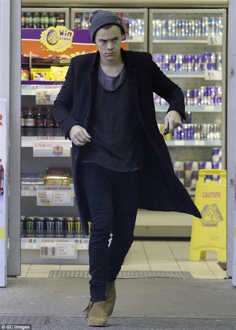 Harry Styles receives a £70 parking ticket in North London