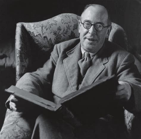 cs lewis biography for students why c s lewis gives me the creeps stephen hicks ph d