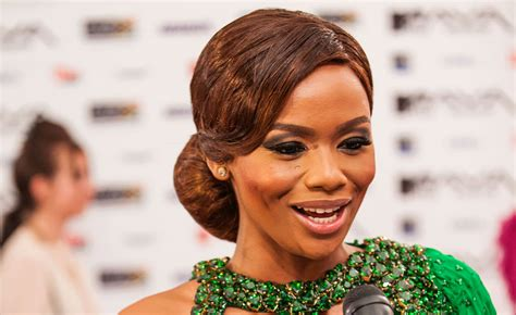 get dj zinhle s green hair mamas red carpet elle south africa
