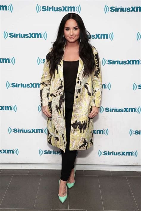 demi lovato sober twitter demi lovato shares live performance of sober says she