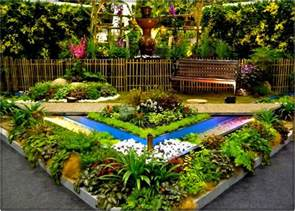 Garden Ideas For A Small Garden Some Helpful Small Garden Ideas For The Diy Project For The Adorable Small Garden
