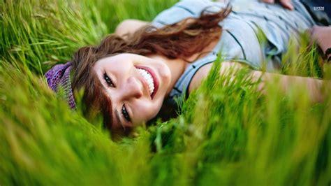 wallpaper girl happy image gallery happy girl wallpaper