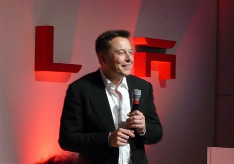 Who Is The Ceo Of Tesla Motors Image Tesla Motors Ceo Elon Musk At Tesla Store Opening