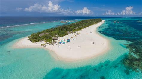 resort maldives kanuhura maldives luxury family resorts maldives adore