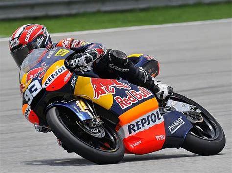 Motorrad 125 Ccm Weltmeisterschaft by 125ccm Sepang Marc M 225 Rquez Siegt Und 252 Bernimmt Wm F 252 Hrung