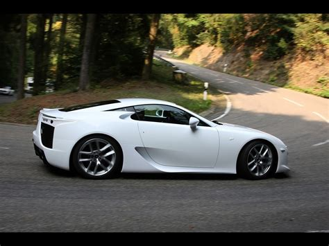2012 Lexus Lfa White Side Angle Turn 1280x960 Wallpaper