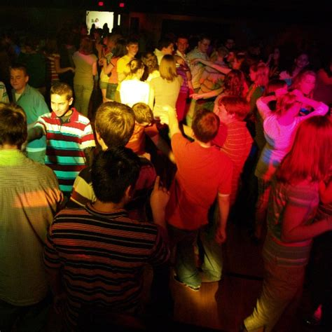 how to throw a house party high school high school party www imgkid com the image kid has it