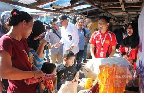 Minyak Goreng Eceran stok minyak goreng bulog sultra 28 000 liter cendana news
