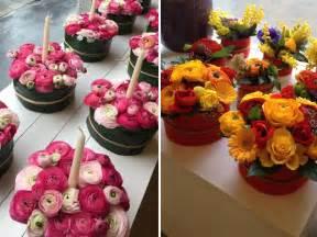 mandare fiori via come fare un centrotavola coi fiori la casa in ordine