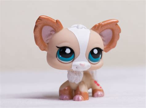 littlest pet shop puppy littlest pet shop lps 1082 shimmer glitter white chihuahua puppy ebay