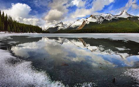 frozen mountain wallpaper mountains forest frozen lake wallpapers mountains forest