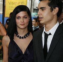 Sentoci: Max Minghella Girlfriend Pics 2011