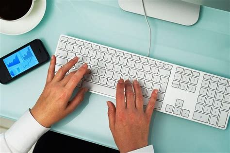what needs to be included in a cover letter 17 best ideas about writing a cover letter on
