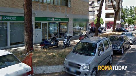 banca intesa san paolo a roma cinecitt 224 est rapina alla banca intesa san paolo di via
