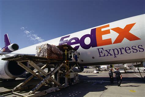 us trucking changing package freight mix rattles fedex express
