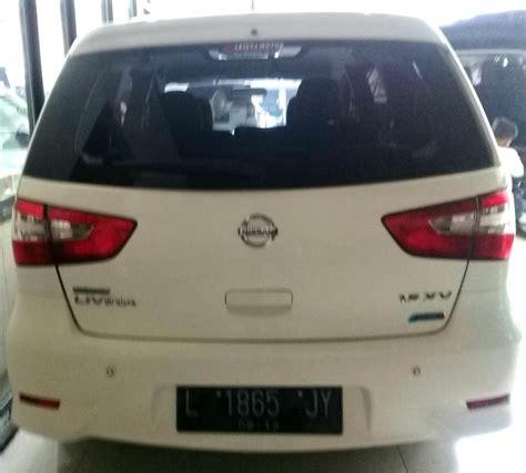 Nissan Grand Livina Xv 2014 grand livina xv mt 2014 putih terawat mobilbekas